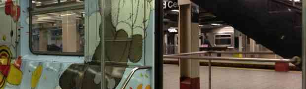 Things We're Diggin' : KAWS gets up on a MTA train! [Legally]