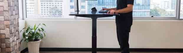 FIRST AI-POWERED STANDING DESK FROM AUTONOMOUS